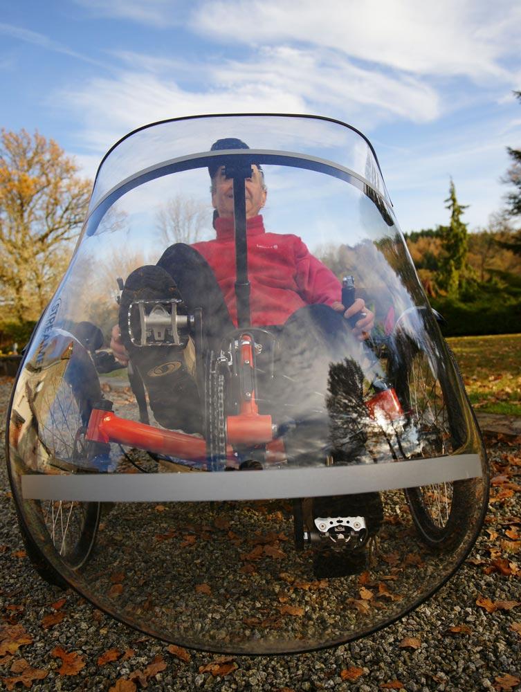 La bulle HPvelotechnik assure une bonne protection du cycliste.