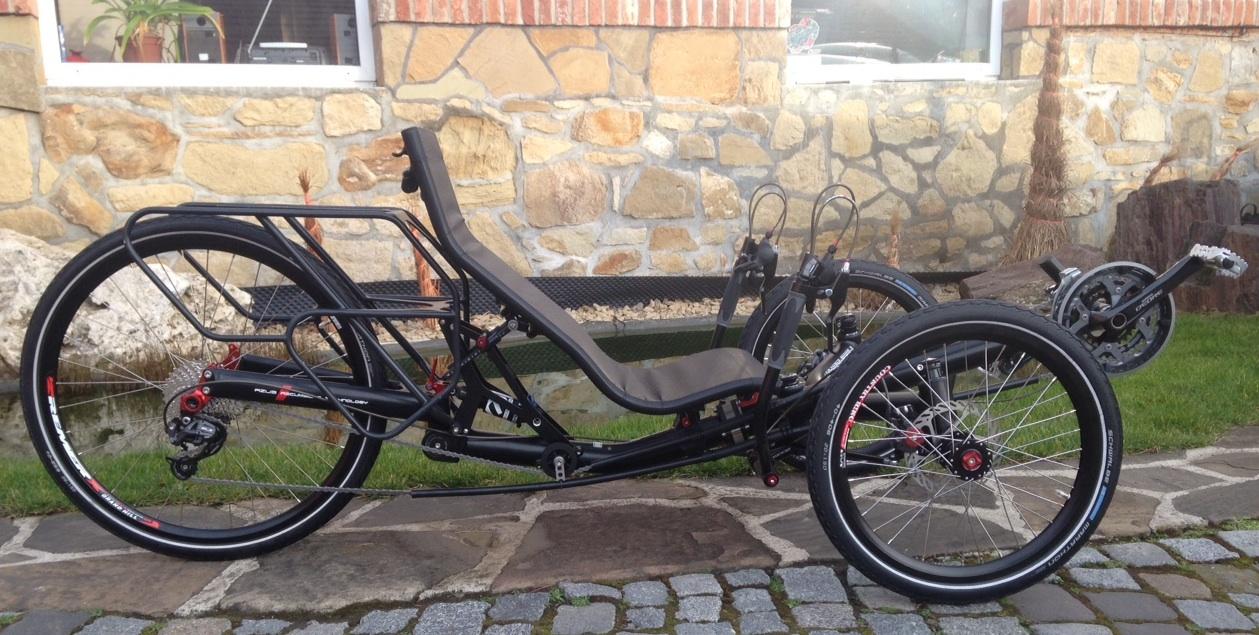 Nouveau tricycle Azub TRIcon avec une roue de 26 pouces